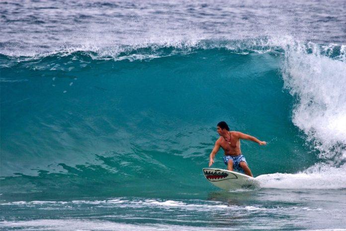 Алекс Кръстев на сърф
