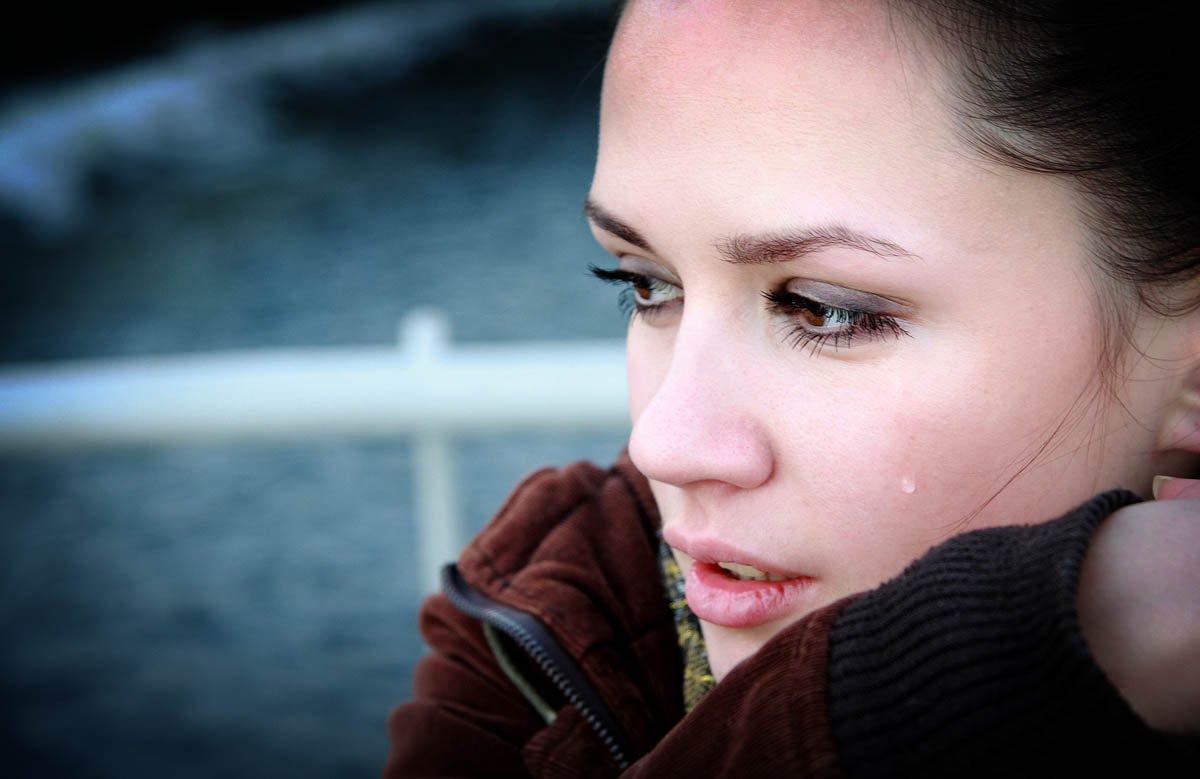 гадости плачеща жена
