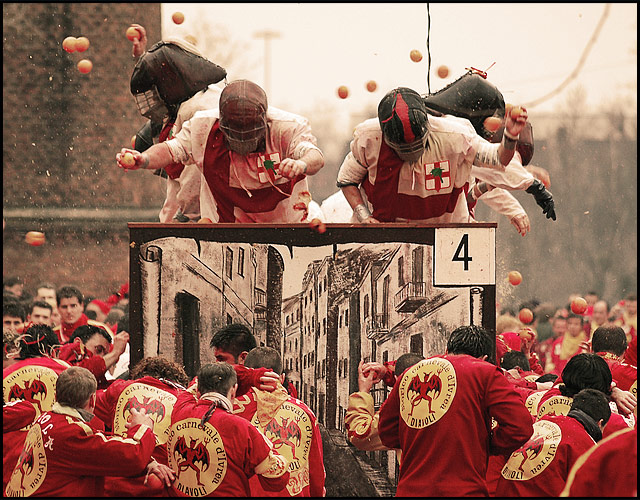 ivrea-orange-battle-carnival