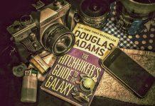 Пътеводител на галактическия стопаджия от Дъглас Адамс