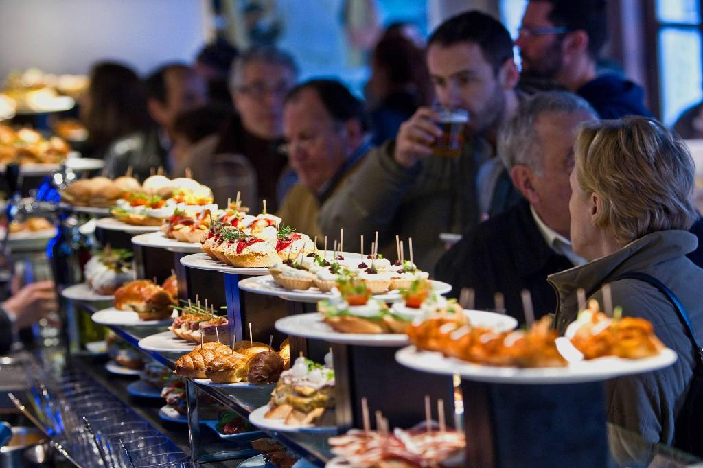 san_sebastian_donostia_english_pintxos_counter