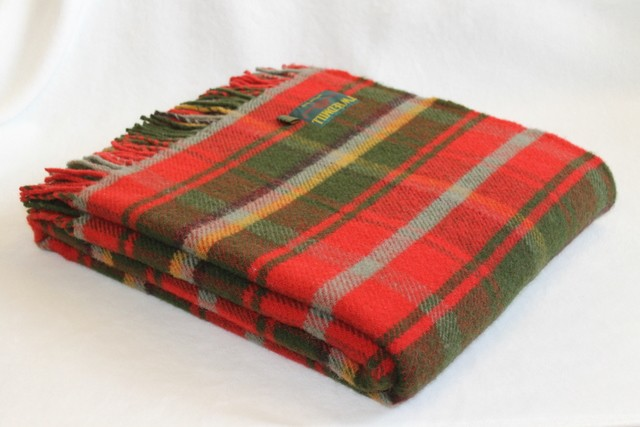 Dark-Maple-tartan-picnic-blanket-Pure-new-wool-Tweedmill_700_600_43R2Z
