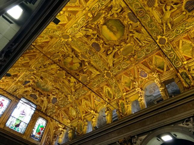 Сароно църква таван
