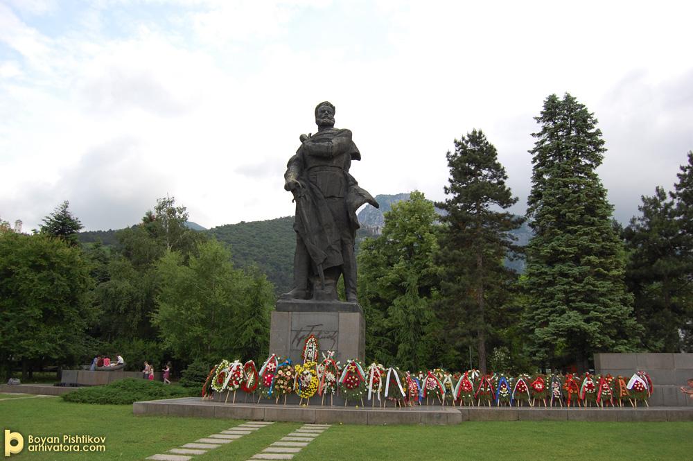 Паметникът на Христо Ботев.