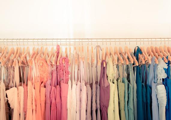 mismatched-bridesmaid-dresses-1
