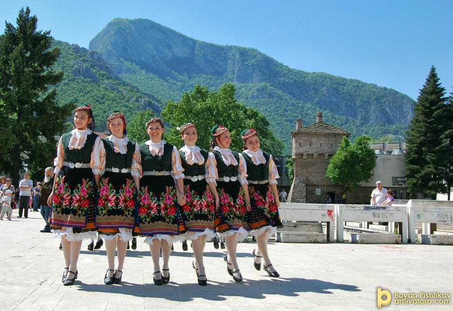 Площад Враца 1-ви юни