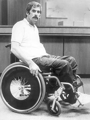 Стуук остава парализиран след като Маринов го прострелва в гръбначния стълб.