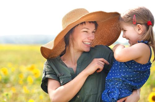 майка с детенцето си