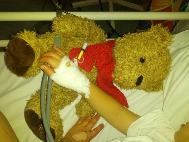 дете в болница