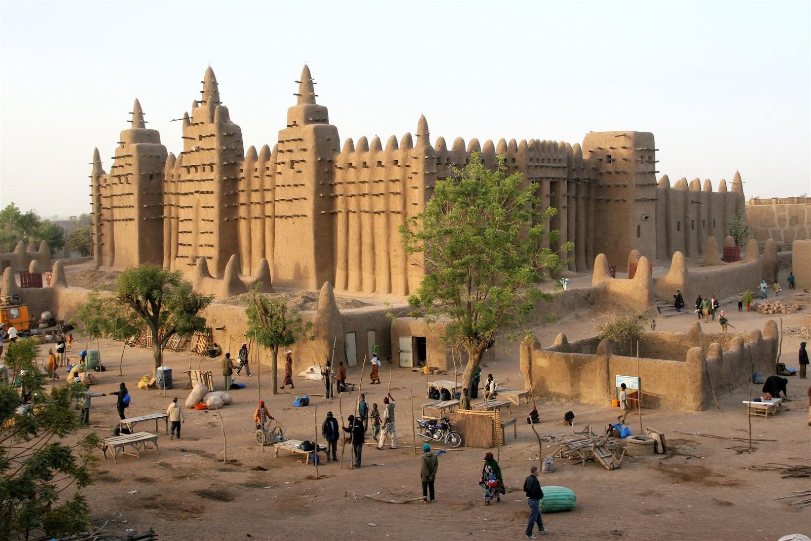 Град Тимбукту е едно от най-впечатляващите и посещавани места в Мали.