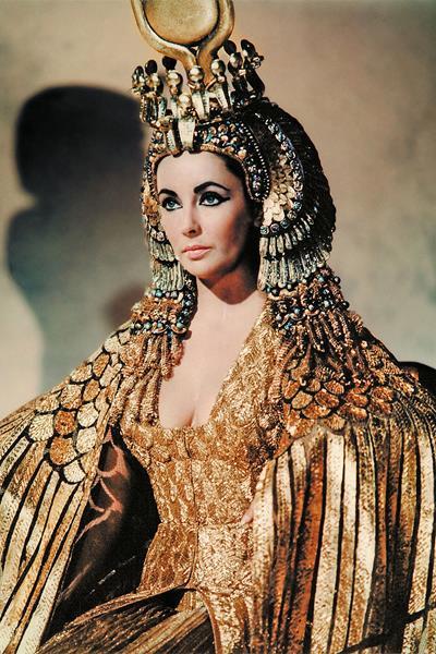 Eлизабет Тейлър в ролята на Клеопатра.