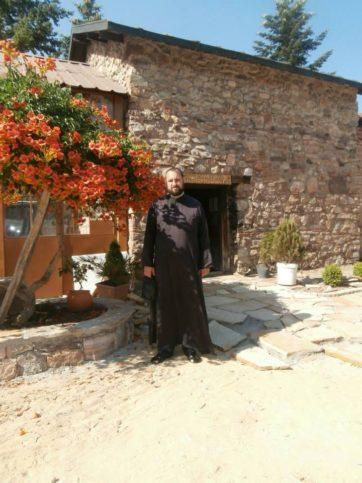 бог свещеник храм