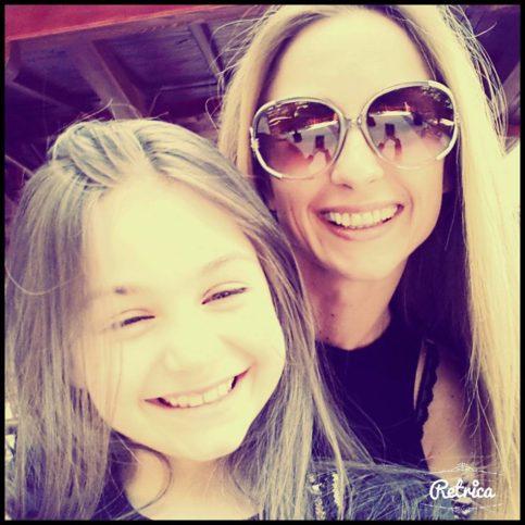 Крисия и мама