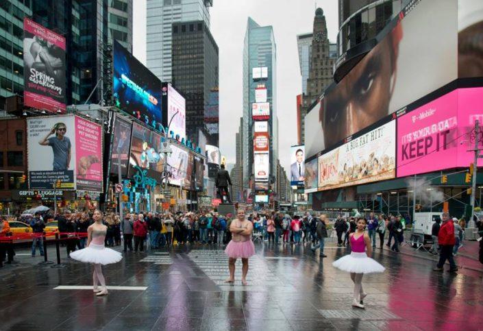 Проектът Туту и мъжът с розова балетна пачка