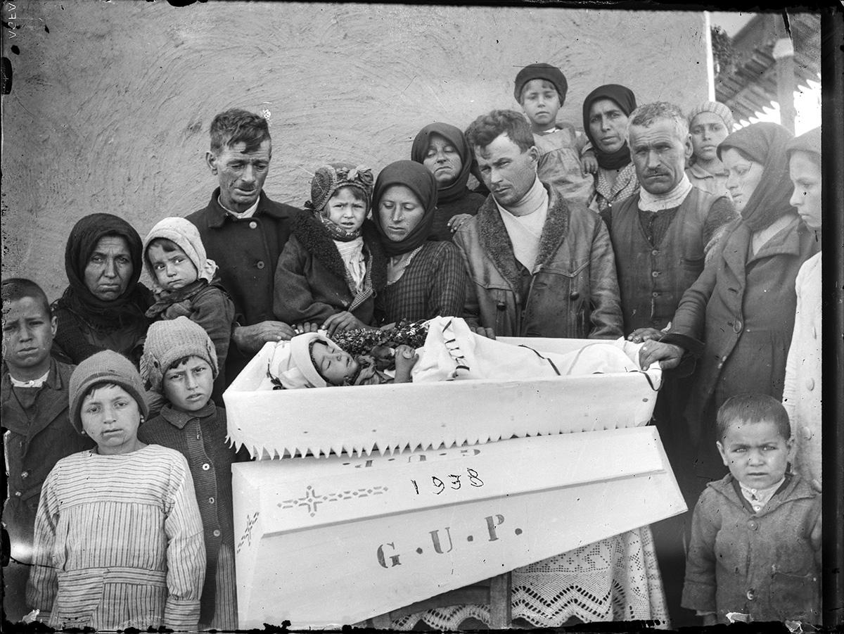 Înmormîntarea unui copil, 1938