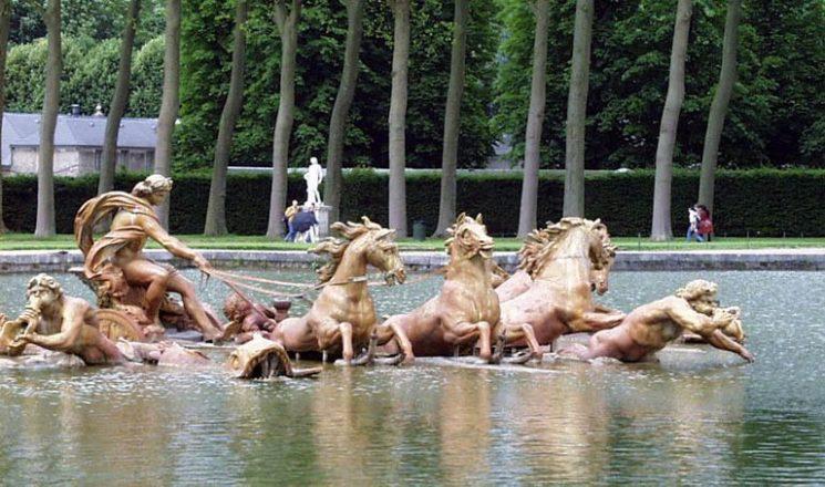 Фонтанът на Аполон във Версайската градина