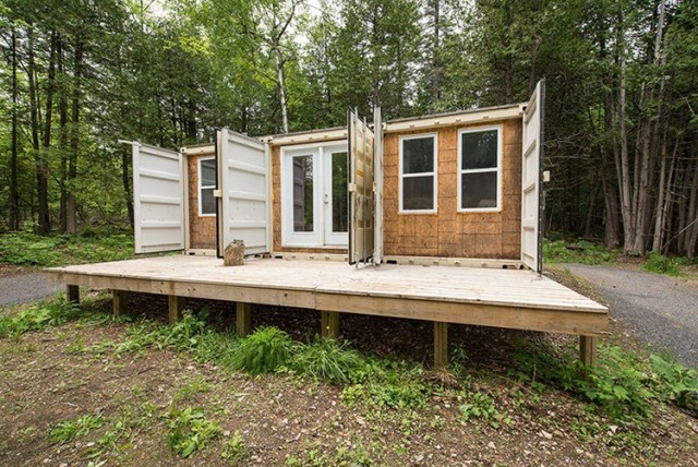 three-shipping-containers-home-3-640x428
