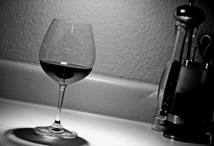 Алкохолът е вреден за здравето, и все пак вскички го пием Снимка: Lotus Carroll via Foter.com / CC BY-NC-SA