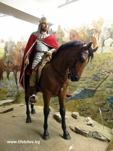 Восъчна фигура на цар Калоян