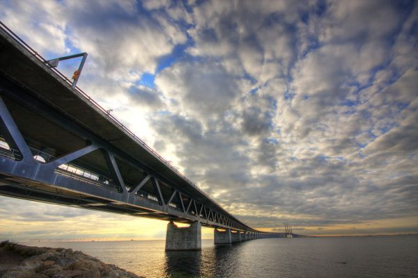 Oresund-Bridge-Oresundsbron-Sweden-Denmark-twin-track-railway-and-dual-carriageway-bridge-Copenhagen-Malmo-tunnel-across-strait-5