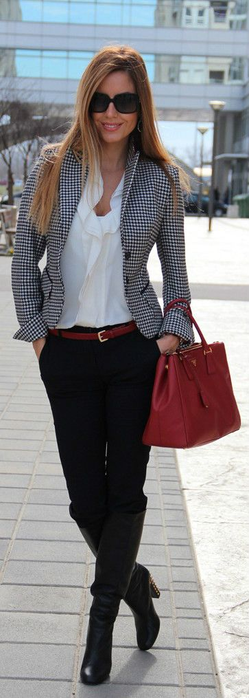 Шефката, която държи на модата и добрия външен вид, обикновено се грижи повече за имиджа, отколкото за служителите си.