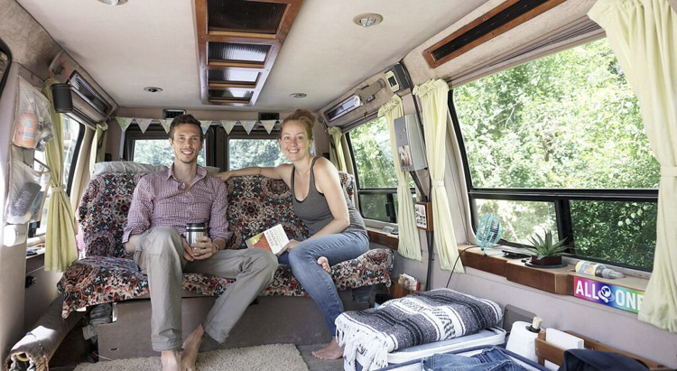 11_vanlife-couples