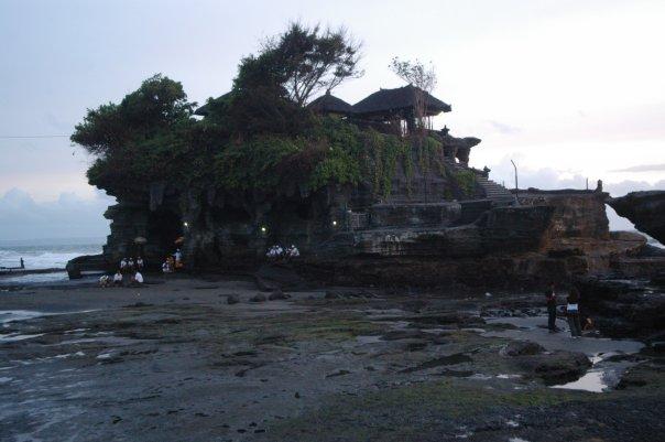 Храм в морето