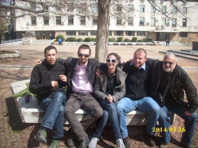 На снимката отляво надясно: Васил Харалампиев, Марин Калчев, Симона Величкова, Тодор Ванков, д-р Юлиан Караджов
