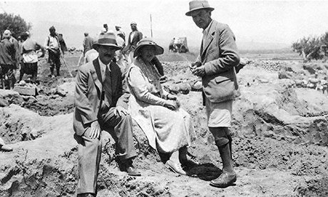 Агата Кристи по време на разкопки в Ирак. Снимка: British Museum