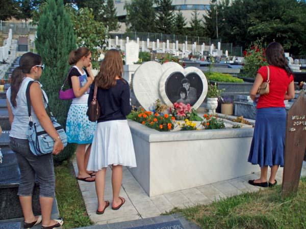 Гробът на Адмира и Бошко