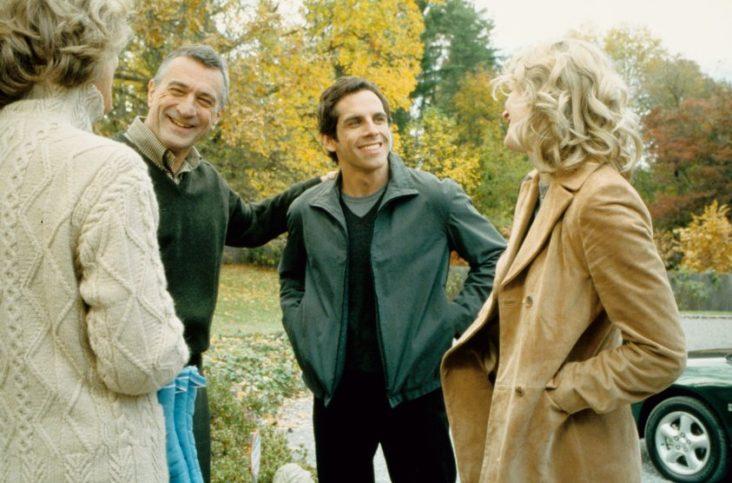 """Робърт Де Ниро с Бен Стилър в незабравимата комедия """"запознай се с нашите""""."""
