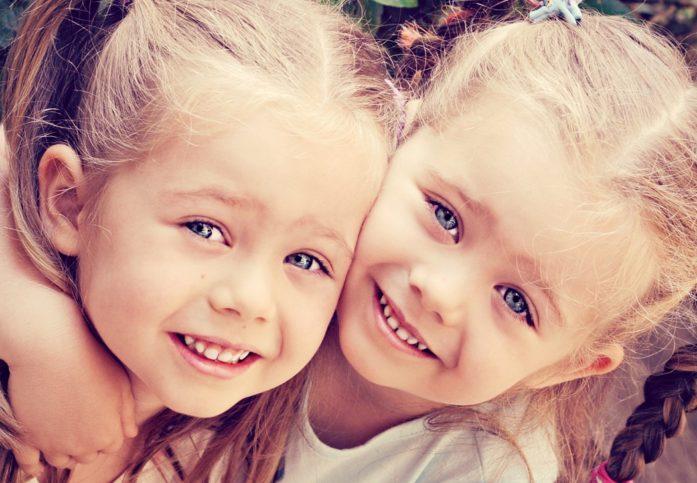 еднояйчни близнаци