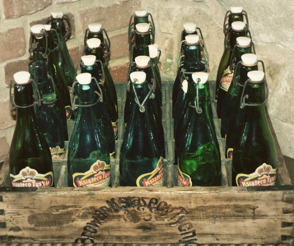 drink-bottles-in-barrel-3384x2836_72454