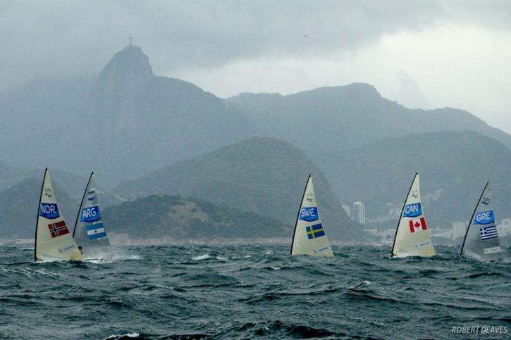 Искра е сред избраните да съдийстват на олимпиадата в Рио.