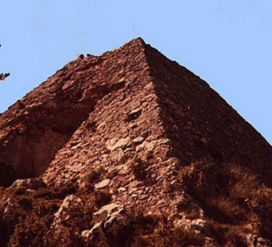 Фаликонска пирамида