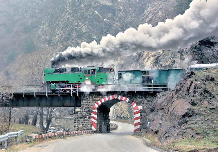 влакове в България