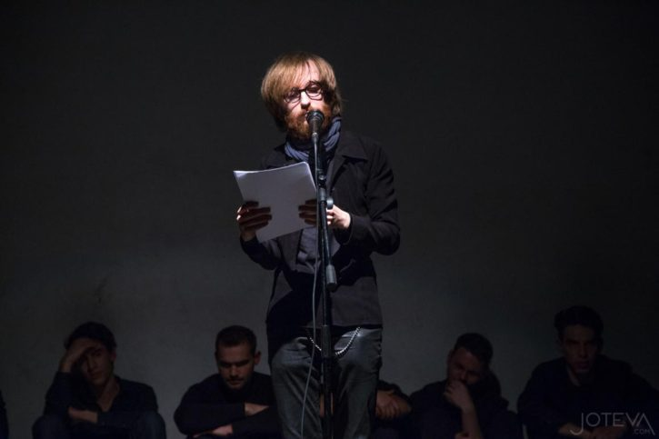 Актьори срещу поети