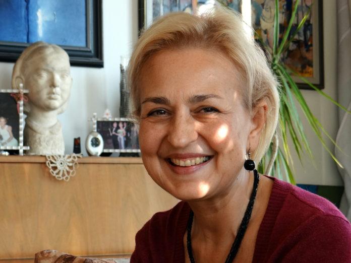 Проф. Емилия Коларова