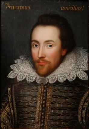 """Уилям Шекспир е един от най-известните и значими автори в англоезичната литература. Творбите му, достигнали до нас включват 38 пиеси,154 сонета, 2 дълги повествователни поеми и няколко други стихотворения. Шекспир е роден в град Стратфорд на Ейвън. Когато е 18-годишен се жени за Ан Хатауей. Двамата имат има три деца: момиче - Сюзана и близнаците Хамнет и Джудит. Успява да се реализира като актьор и писател в Лондон, където основава и театралната трупа """"Мъжете на Лорд шамбелана"""". След няколко години отново се връща в Стратфорд, където умира недълго след това. Илюстрация: WikiImages, CC BY-SA 2.0"""