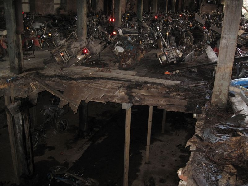 motorcyclegraveyard8