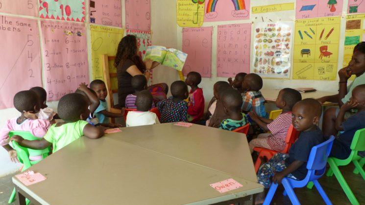 В клас с новите ученици.