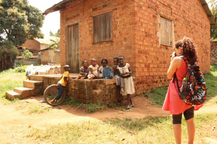 Уганда е бедна държава, изпълнена с богати по душевност хора.