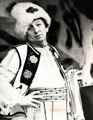Никола Анастасов в роля през 60-те години. Снимка: Архив на Сатиричния театър