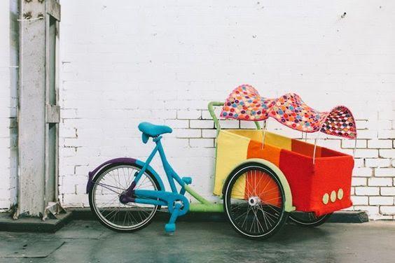 Основно средство за придвижване тук е велосипедът.