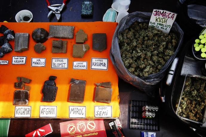 """""""Леко"""" абсурдният закон - забраненото заснемане на свободно продаващите се леки наркотици."""