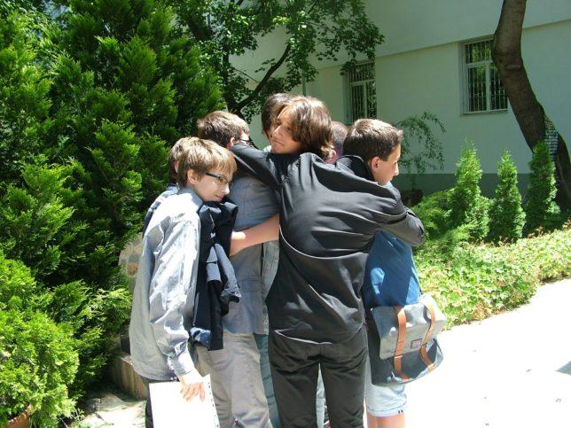 Мартин, заедно с най-добрите си приятели от прогимназията.