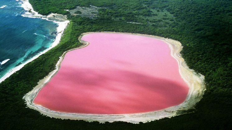Розовото езеро в Сенегал се намира в най-западната точка на Африка.