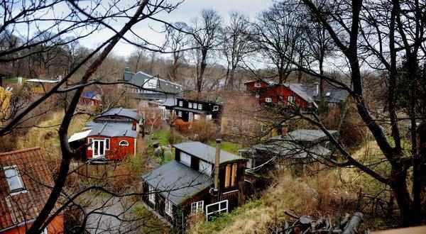 Отдалече Кристияния напомня на обикновено скандинавско село.