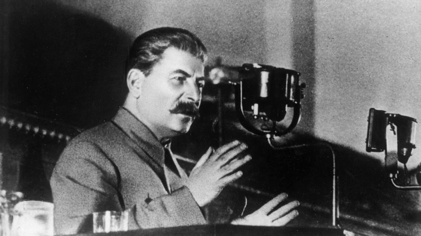 Сталин не одобрява методите на Иванов и го отзовава обратно в Съветския съюз.