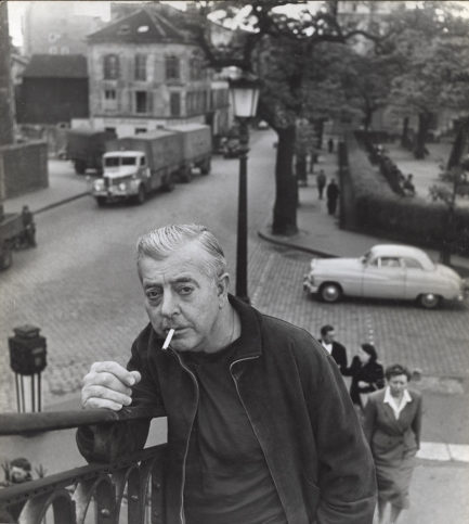 Жак Превер е френски поет и сценарист. Роден е през 1900 г. във Франция. Името му се свързва основно с Париж, чиито истории поетът успява да вплете и разкажа в своите стихове.